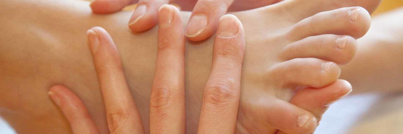 массаж рук стоп